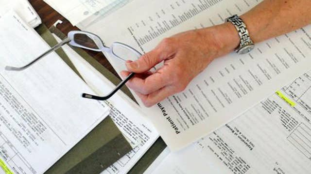 Report: 1 in 4 Americans had past due medical bills in 2015