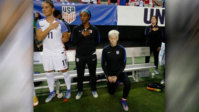 US Soccer orders players to stand for national anthem