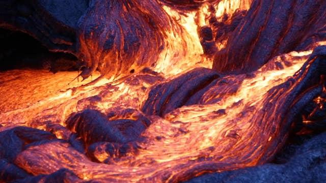 Lava flow filmed in blue hour makes for spectacular video