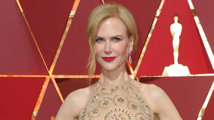 Fox411 Breaktime: Nicole Kidman said diamonds were to blame for her strange clapping at the Oscars