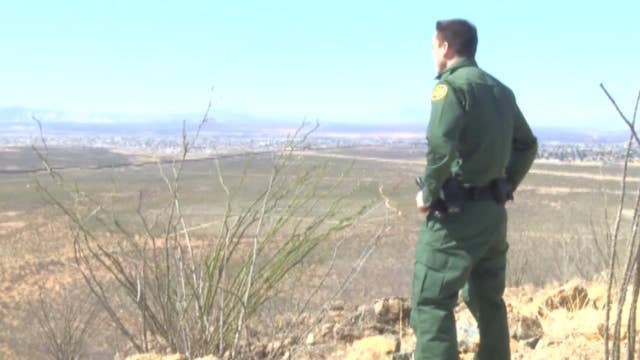 Sens. Flake, McCain look to speed up Border Patrol hiring