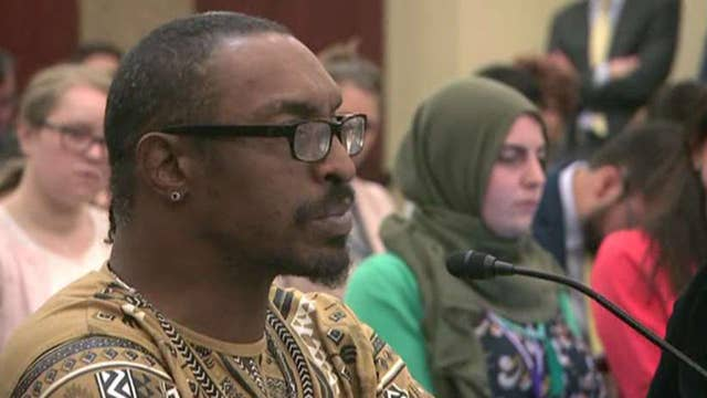 Muhammad Ali's son claims he was detained at airport