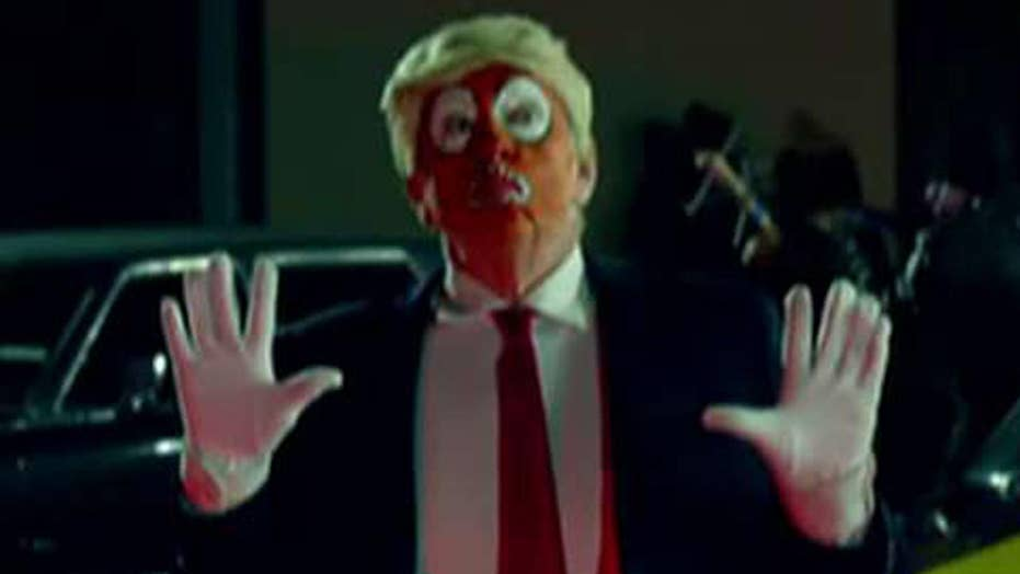 Snoop Dogg shoots clown dressed as Trump in music video