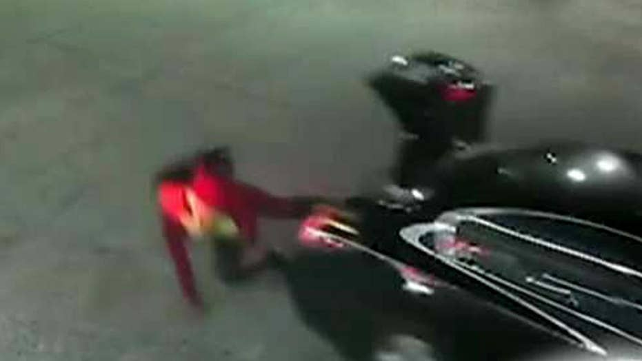 Woman jumps from trunk in desperate escape from kidnapper