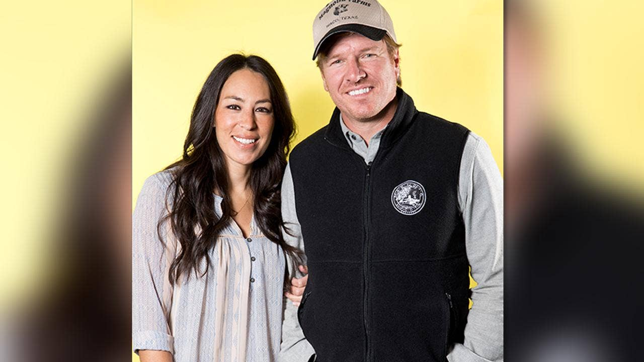 39 Fixer Upper 39 Stars Chip And Joanna Gaines Get Spinoff