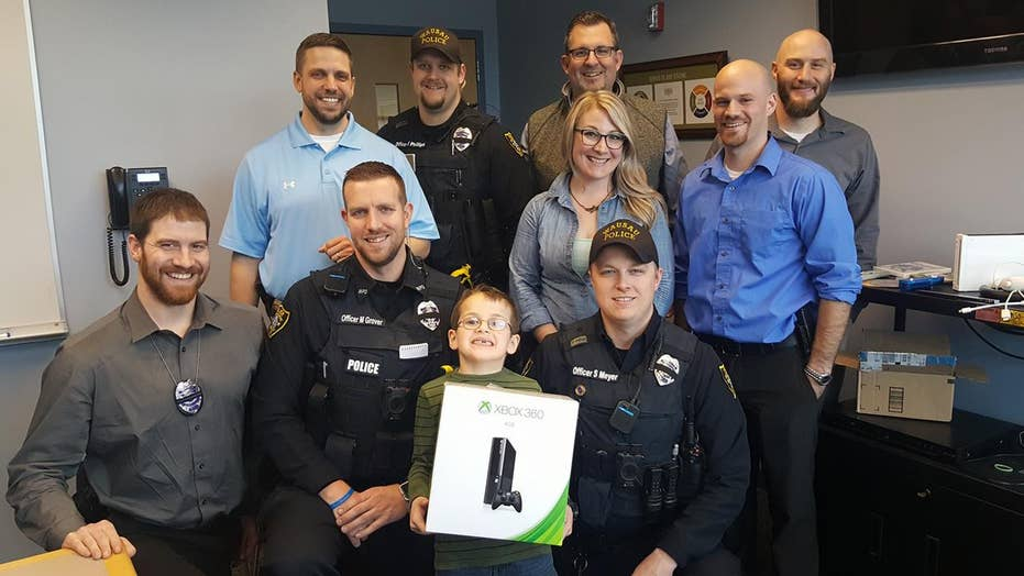 WI boy donates Nintendo Wii to police after officer killed