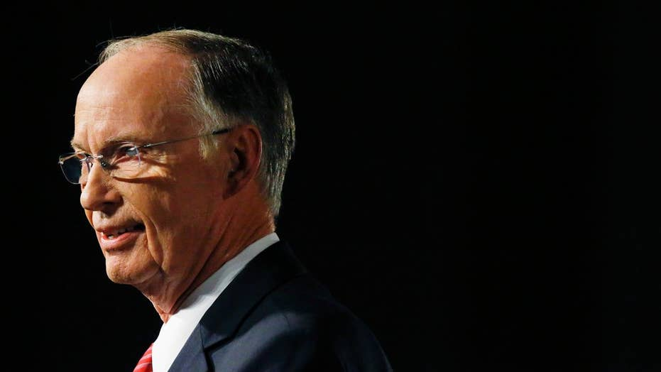 Alabama gov. clings to faith amid ethics scandal