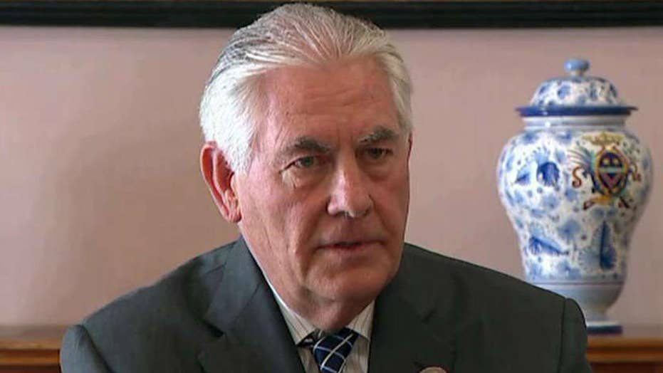 Tillerson lands in Russia amid escalating tensions on Syria