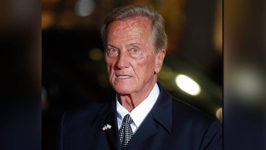 Pat Boone: Hollywood is after Trump