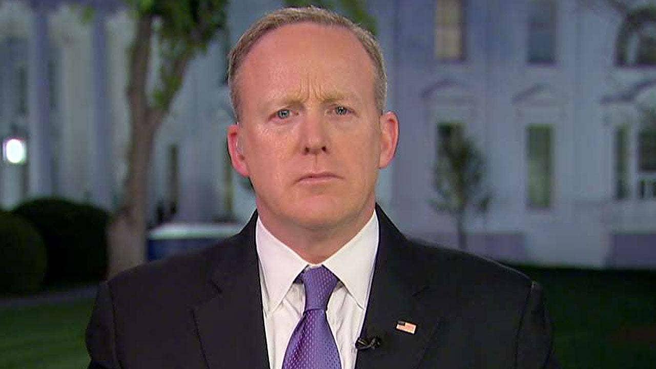 GOP rep calls for Spicer's resignation after Hitler comments