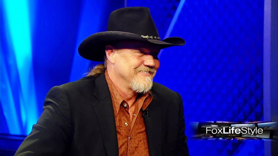 Country star Trace Adkins reveals hobbies on and off tour