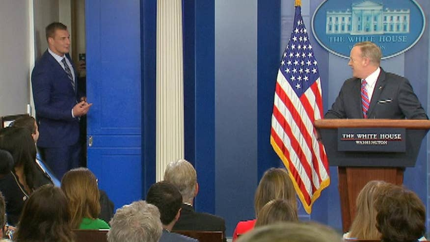 Raw video: Super Bowl champ Rob Gronkowski stops by White House press briefing