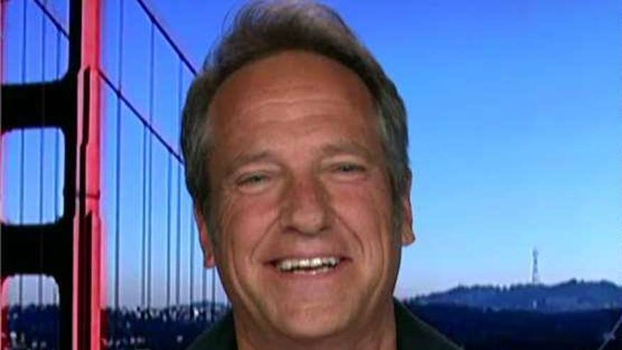 Former 'Dirty Jobs' host Mike Rowe tells Tucker why he's apprehensive about President Trump's recent 'Buy American, Hire American' executive order, why he thinks it feels like a 'shortcut' #Tucker