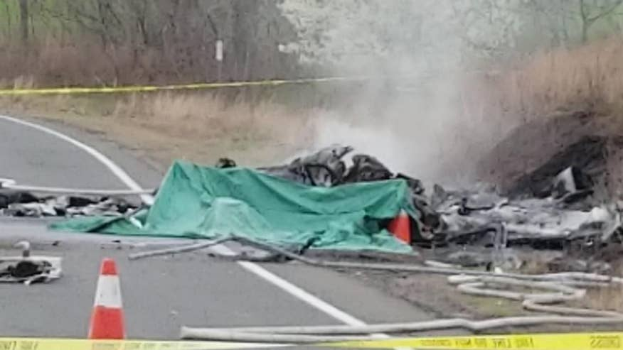 Raw video: Small aircraft involved in fatal crash near Meriden-Markham Airport