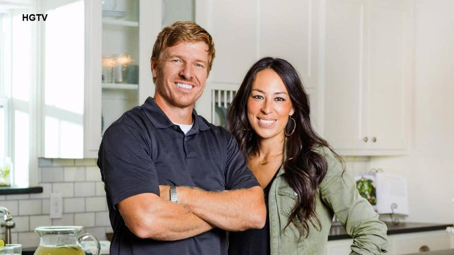 how 39 fixer upper 39 s 39 chip and joanna gaines handle divorce rumors fox news. Black Bedroom Furniture Sets. Home Design Ideas