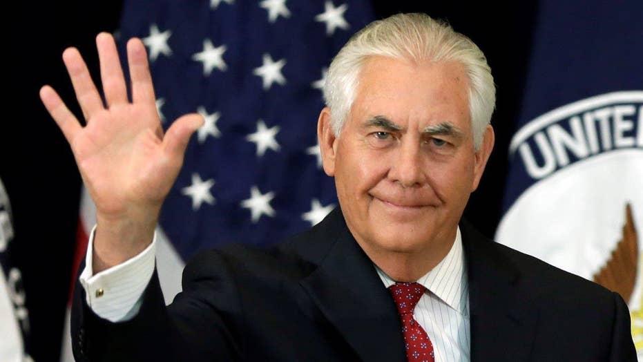 Tillerson talks pressuring North Korea, meeting Putin