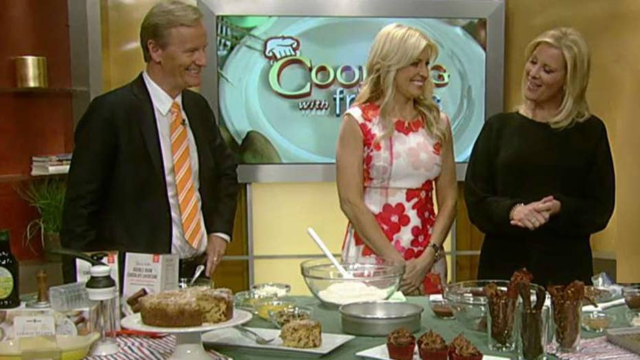 Cooking with 'Friends': Sandra Lee's Mother's Day menu
