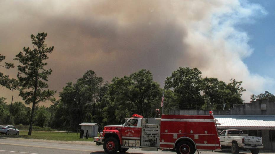 Georgia wildfire threatens to jump state lines into Florida