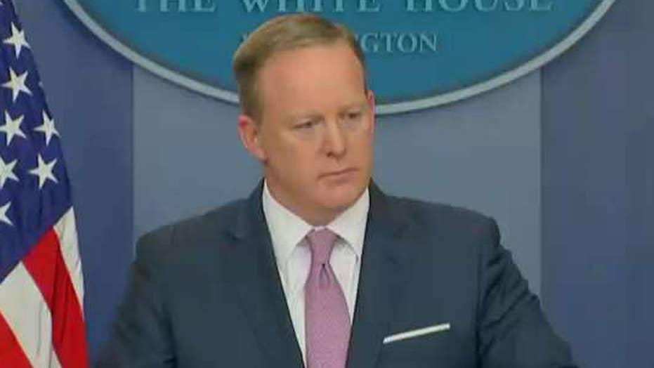 Spicer: President's Comey tweet speaks for itself