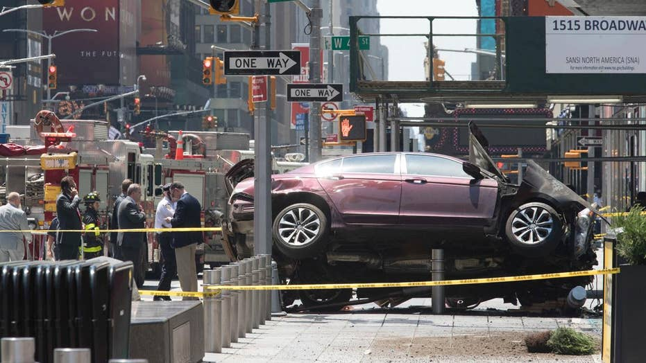 Eyewitnesses describe aftermath of Times Square incident