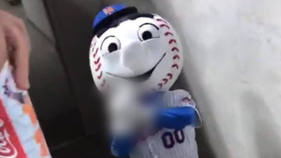 Mr. Met flips off fans, employee fired