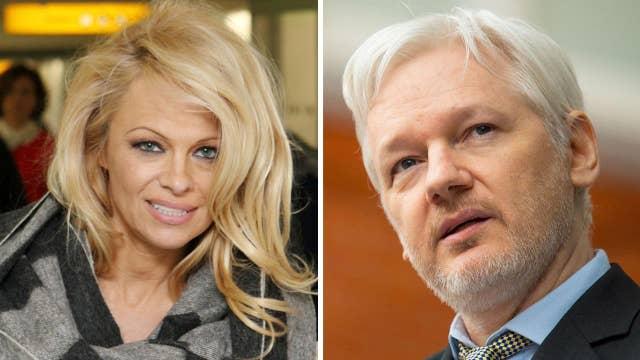 Pamela Anderson writes love letter for Julian Assange