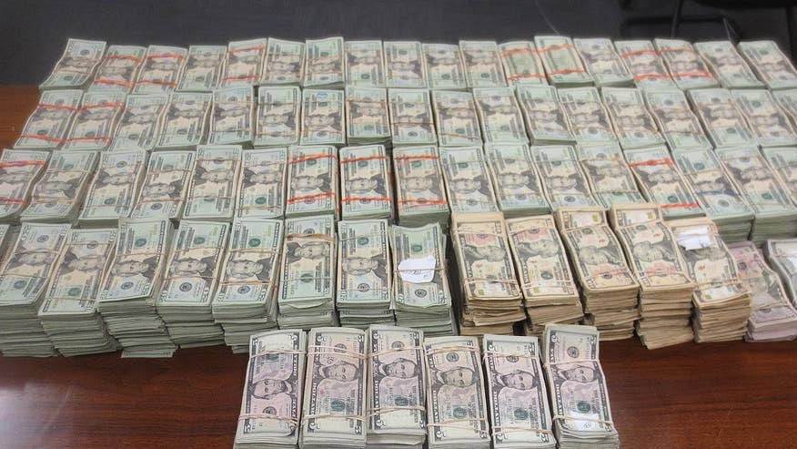 A Mexican man was arrested and handed over to homeland security after trying to smuggle nearly $700 grand into Mexico