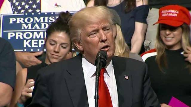 Trump targets 'fake news' media (again) at Iowa rally