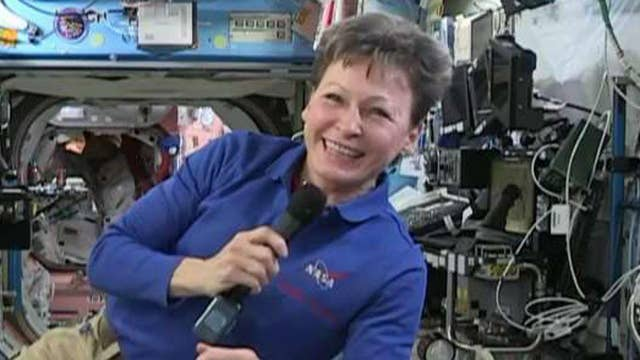 Peggy Whitson live aboard the ISS