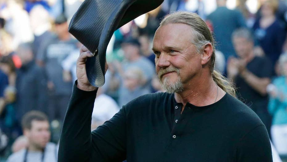 Trace Adkins: 'Honoring the military comes easy'