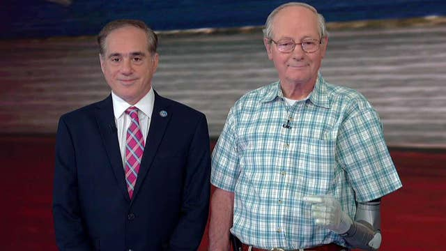 Sec. Shulkin and veteran discuss new advanced prosthetic
