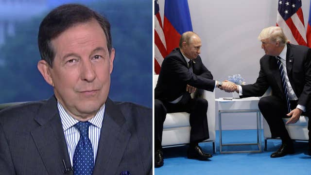Chis Wallace reacts to body language of Putin-Trump photo-op