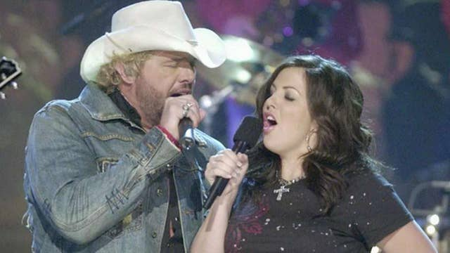 Toby Keith's daughter narrowly survives crash
