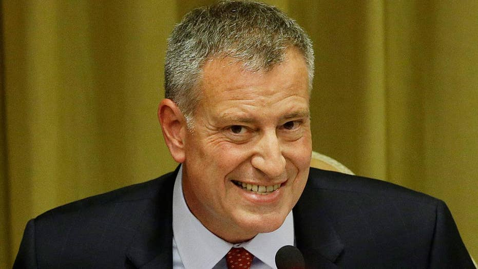 NYC mayor skips NYPD ceremony to join G-20 protests