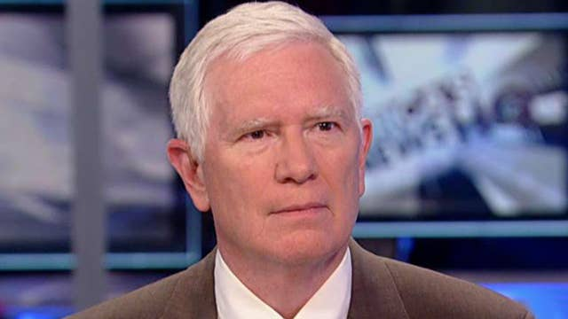 Rep. Mo Brooks praises WH for being proactive on Iraq, Syria