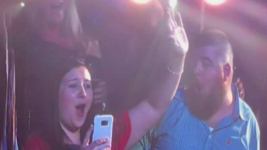 Special surprise for couple engaged at Garth Brooks concert