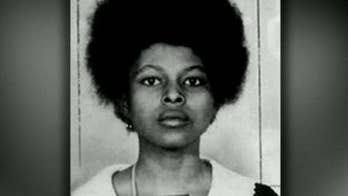 Conference featuring 2020 Dems begins with fiery chant quoting fugitive cop-killer Assata Shakur