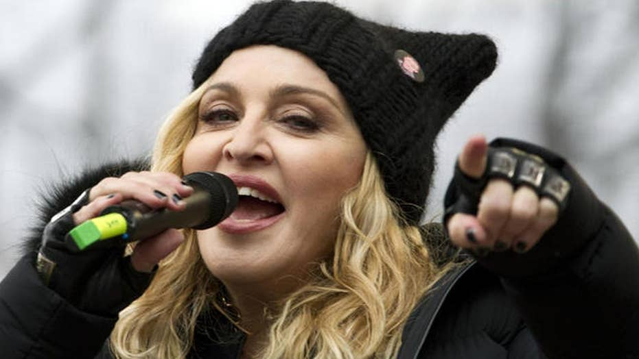 Madonna stops auction of personal items, Tupac letter