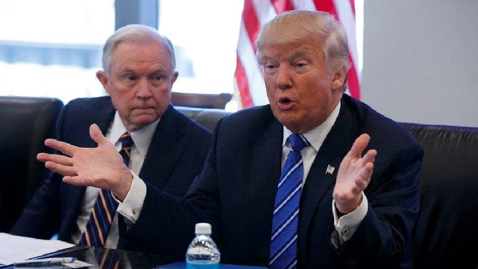 WaPo: Sessions talked Trump campaign with Russian ambassador