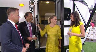 Actress Jennie Garth brings RVs to the 'Fox & Friends' plaza