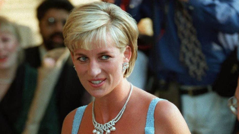 Princess Diana biographer speculates on why she chose him