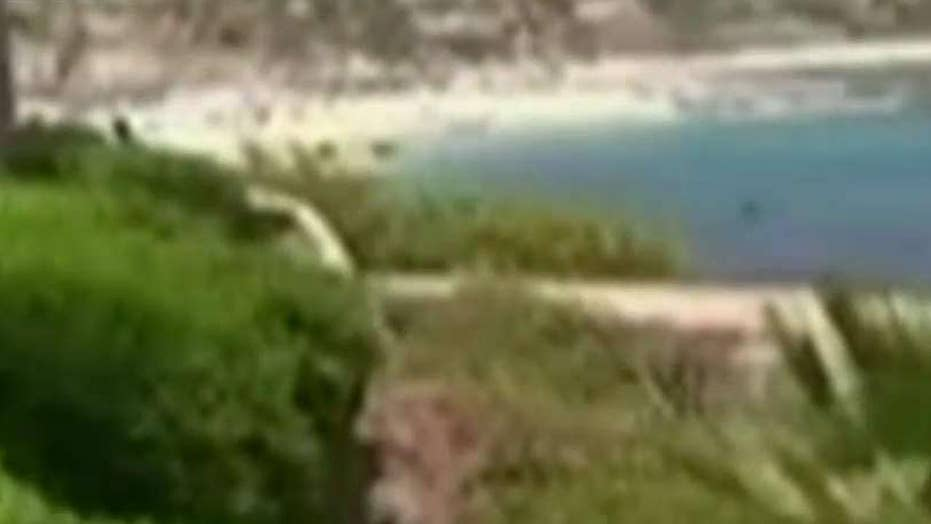 3 dead after gunmen open fire on popular Mexican beach