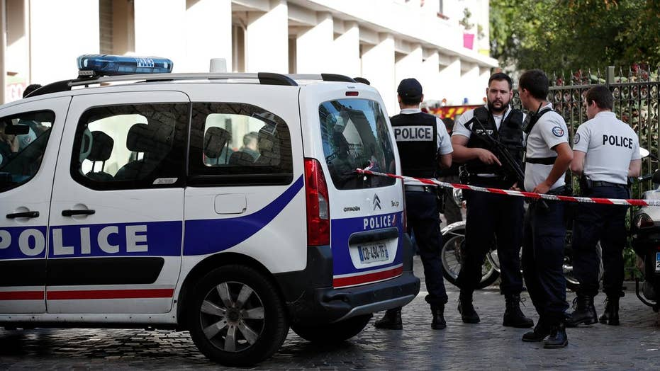 French soldier subdues knife-wielding suspect in Paris