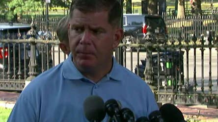 Mayor Marty Walsh thanks demonstrators, police and other officials after rival protests are held in the city