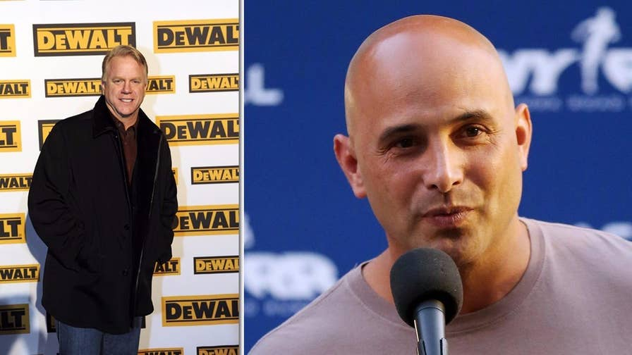 "Fox411: Radio host Boomer Esiason addressed his co-host Craig Carton's arrest telling listeners he still has ""love"" for the accused Ponzi schemer"