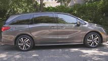 FoxNews.com Automotive Editor Gary Gastelu checks out the 2018 Honda Odyssey and finds there's plenty of room for kids, but nowhere for them to hide.