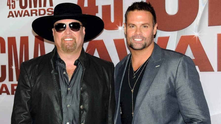 Fox411: The pilot of a helicopter carrying country music singer Troy Gentry reported the aircraft was experiencing mechanical problems shortly before it crashed in New Jersey, killing the two men