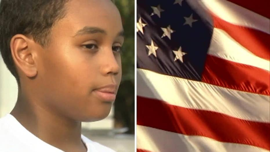 Michigan student refuses to stand for Pledge of Allegiance