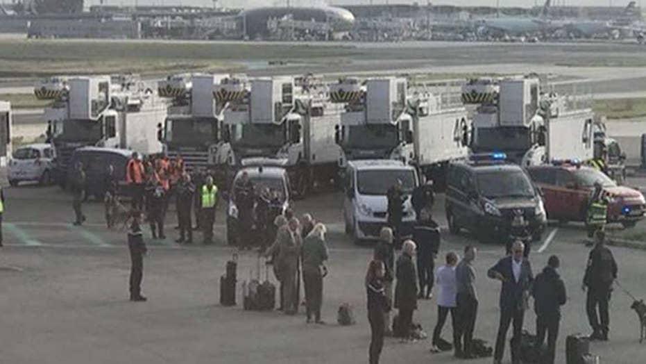 Threat prompts plane evacuation in Paris