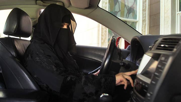 Saudi Arabia agrees to let women drive